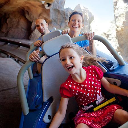 manège hanté à Disneyland